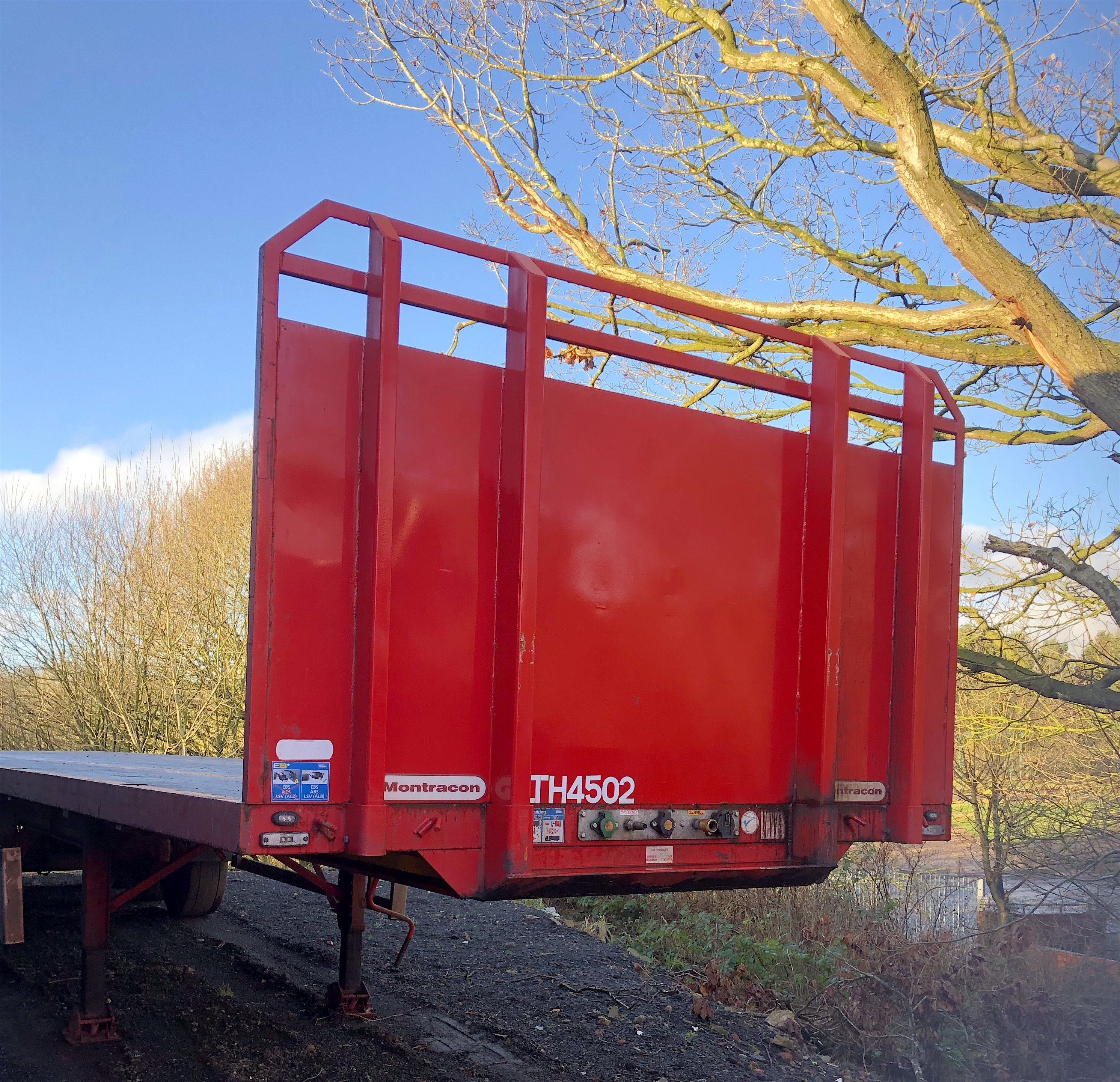 Montracon flat trailer