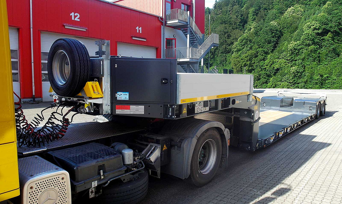 heavy haulage trailer available at Leeds Trailers