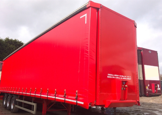 curtain trailers in red